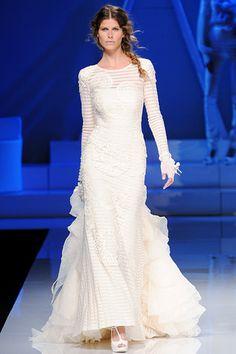 Yolan Cris, bride, bridal, wedding, wedding gown, wedding dress