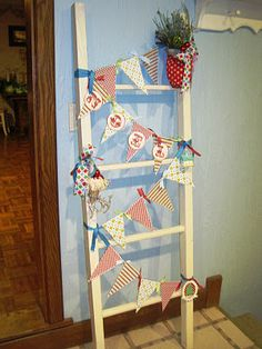 DIY Christmas Ladder card holder...use it for decor, Christmas Cards or advent!  I'm ready to break out the Christmas ladder...