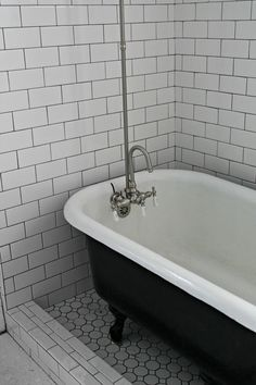 1000 Images About Clawfoot Tub On Pinterest Clawfoot Tubs Clawfoot Tub Sh