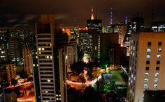 São Paulo a noite. Vista próximo à avenida Paulista.