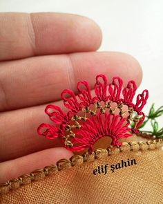 Tatting, Needle Lace, Wedding Dress Styles, Cover, Diy And Crafts, Elsa, Embroidery, Crochet, Sewing Needles