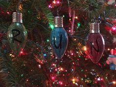Stranger Things 'RUN' ornaments on Mercari Diy Christmas Ornaments, Christmas Bulbs, Christmas Decorations, Holiday Decor, Stranger Things Christmas, Unique Jewelry, Handmade Gifts, November, Rooms