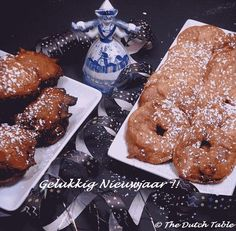 Dutch Food - Oliebollen and appelbeignets for New Year's Eve Traditional Dutch Recipes, New Years Eve Day, Going Dutch, Dough Balls, International Recipes, Cake Cookies, Dutch Food, Holland, Food Porn