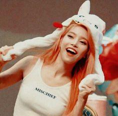 solar and wheein aesthetic * solar and wheein _ solar and wheein mamamoo _ solar and wheein aesthetic _ solar and wheein selca Mamamoo Solar, Kpop Girl Groups, Korean Girl Groups, Kpop Girls, K Pop, Hyuna Photoshoot, Night Changes, Kim Young, Wheein Mamamoo