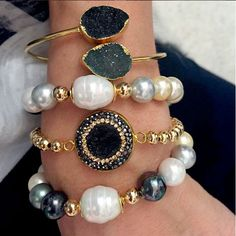 Set By Vila Veloni Black And White Mallorca pearls Bracelets