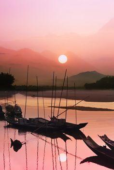 ✯ Sunset at Mae Khong river ,Laung Prabang