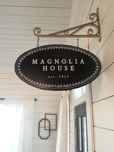 Get a full tour of Chip and Joanna's vacation home, The Magnolia House on twopeasandtheirpod.com + great places to visit/eat in Waco, TX