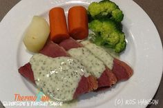 Corned Beef/Silverside in a Thermomix - yes you can! Delicious YES! You have to try this Thermomix Corned Beef Silverside Recipe it really is an easy meal for a How To Cook Silverside, Corned Beef Silverside, Corned Beef Sauce, Corned Beef Recipes, Bellini Recipe, White Sauce Recipes, What Recipe, Cheap Dinners, Dish