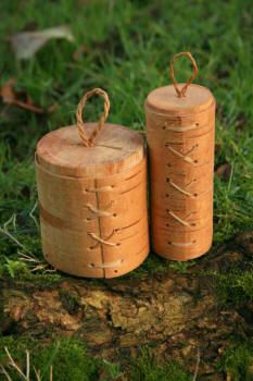 Tutorial on making a birch bark container.