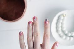 DIY Brush Stroke Abstract Manicure | Beauty