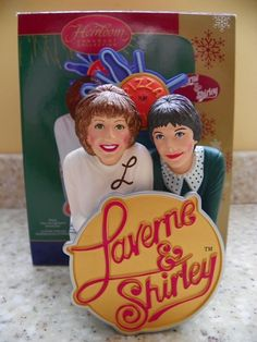 Laverne & Shirley 2006 Carlton Cards Musical Christmas Ornament TV Theme Song