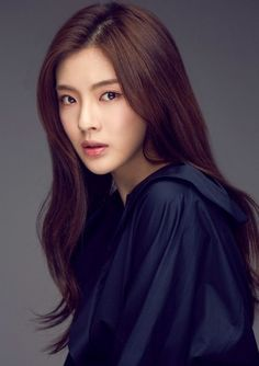 Lee Sun bin Korean Beauty Standards, Lee Sun Bin, Straight Eyebrows, Pretty Asian, Korean Artist, Flawless Skin, Korean Actresses, Woman Face, Me As A Girlfriend