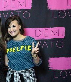 Demi World Tour Meet and Greet<3
