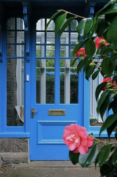 Possible front door color if paint exterior. Farrow and Ball - Cooks Blue Exterior Paint Colors, Exterior Design, Interior And Exterior, Paint Colours, Farrow And Ball Paint, Farrow Ball, When One Door Closes, Exterior Front Doors, Front Door Colors