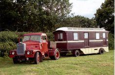 SJL 86 Scammell Highwayman & Showmans caravan