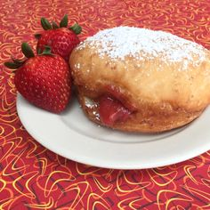 May 22, 2016 (Sunday): STRAWBERRY JELLY-FILLED #vegan doughnuts. Also FRENCH TOAST vegan doughnuts.