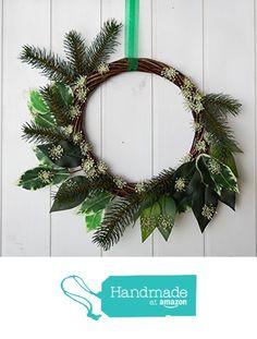 Made in Italy minimalist green wreath with pine and snow flakes, delicate Italian Christmas Holiday decor, white and green Italian Christmas wreath from Ghirlandiamo http://www.amazon.com/dp/B017TAHEOI/ref=hnd_sw_r_pi_dp_qRJqwb1XQZXQG #handmadeatamazon