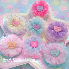 Diy For Kids, Crafts For Kids, Holiday Hair Bows, Sweet Hug, Kawaii, Cosplay Outfits, Baby Bows, Dog Accessories, Cute Fashion