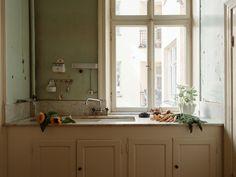 Historiska hem Exterior Design, Interior And Exterior, Double Vanity, Bathroom, Modern, Kitchen, Inspiration, Decor, Elsa