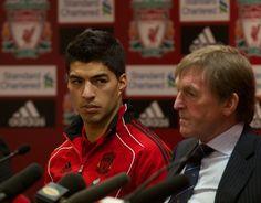 Luis Suarez a Liverpoolhoz szerződik 18 millió euróért az Ajaxtól... 90 millióért adjuk el 4 év múlva.