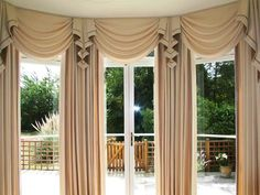The 9 Perfect Swag Curtains Living Room has a selection picture that relevant to windows curtains. Discover the most recent photos of swag curtains… Curtains With Blinds, Curtains Living Room, Cool Curtains, Custom Window Treatments, Big Window Curtains, Large Window Curtains, Bay Window Design, Living Room Windows, Bay Window Curtains