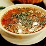 Ez egy erdélyi leves amit anyósomtól tanultam. :) Nagyon finom és laktató! Hozzávalók fél kiló savanyú káposzta, 1 kg sertés hús, 1 konzerv zöldborsó, 1 üveg zöldbab, 1 nagy tejföl, kávéskanálnyi ecet, 2-3 evőkanál liszt, só, törö...