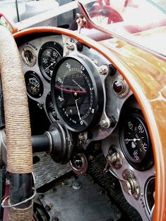 Now, this is a dashboard! Vintage Sports Cars, Vintage Race Car, Old Sports Cars, Porsche 356, Car Pictures, Custom Cars, Vintage Motorcycles, Cars And Motorcycles, Dashboards