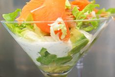 Recipe of Verrine avocado-smoked salmon - Trend Cocktail Recipes 2019 Seafood Recipes, Appetizer Recipes, Cooking Recipes, Healthy Recipes, Salmon Avocado, Fresh Avocado, Avocado Toast, Smoked Salmon Recipes, Antipasto