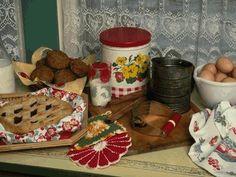 Vintage Cooking and Bakeware