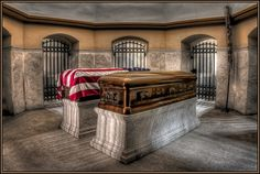 Presidential Burial Sites president james Garfield and lucretia garfield . Presidents Wives, American Presidents, Dead Presidents, Us History, American History, Famous Tombstones, Presidential History, Famous Graves, Military Photos