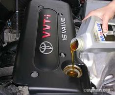 Why regular oil changes are so important? Is there a warning light for low oil? Is it worth it to switch to synthetic oil? Do oil additives really help? Should you wash a car engine? Car Repair Service, Auto Service, Car Brake System, Car Buying Guide, Car Care Tips, Car Fix, Mechanical Design, Oil Change