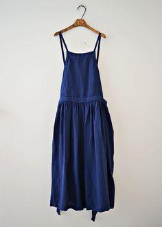 ikkuna   #dress #aprondress #bluedress Comfy Dresses, Linen Dresses, Simple Dresses, Pretty Dresses, Beautiful Dresses, Summer Dresses, Modest Fashion, Fashion Outfits, Apron Designs