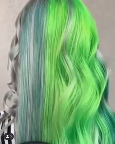 Long Waves with Warm Caramel Balayage - 70 Balayage Hair Color Ideas with Blonde, Brown and Caramel Highlights - The Trending Hairstyle Pretty Hair Color, Hair Color Purple, Green Hair, Exotic Hair Color, Hair Streaks, Hair Color Balayage, Soft Grunge Hair, Creative Hair Color, Underlights Hair