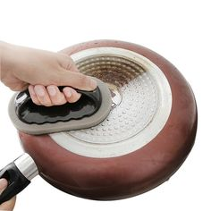 Strong Decontamination Bath Brush kitchen accesories gadgets kitchen kitchen tools kitchen accessories ideas kitchen cleaning tips cleaning tips kitchen cleaning hacks cleaning dishes dishwasher cleaning Deep Cleaning Tips, House Cleaning Tips, Cleaning Hacks, Homemade Toilet Cleaner, Kitchen Sponge, Clean Baking Pans, Cleaning Painted Walls, Bath Brushes, Glass Cooktop