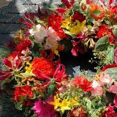 Colorful Flower Wreath - regio Wageningen, Bennekom, Ede, Renkum | bloemwerkopmaat.nl