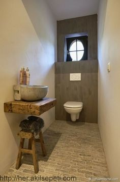 Vandemoortel Rustic Building Materials – Style floors – Old facing bricks Castle stones – Glimpses At Fashion – materials bricks - Guest Toilet, Small Toilet, Downstairs Toilet, Rustic Bathrooms, Small Bathroom, Half Bathrooms, Bathroom Ideas, Villa Design, Design Hotel