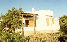 Villetta Cenni - Villa indipendente a 100 mt dalla spiaggia di Baia S. Reparata Case vacanze in Santa Teresa di Gallura da @homeaway! #vacation #rental #travel #homeaway