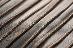 Handwoven metallic textile in yaré fiber and stainless steel threads Hand Weaving, Fiber, Metallic, Textiles, Stainless Steel, Hand Knitting, Low Fiber Foods, Fabrics, Weaving