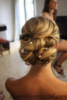 1000 images about coiffures maquillages mariage on pinterest chignons coiffures and boucle. Black Bedroom Furniture Sets. Home Design Ideas