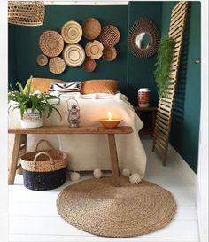 Bedroom Green, Home Bedroom, Bedrooms, Bohemian Bedroom Decor, Dark Interiors, Diy Wall Decor, Home Decor Inspiration, Interior Design, House Paint Interior