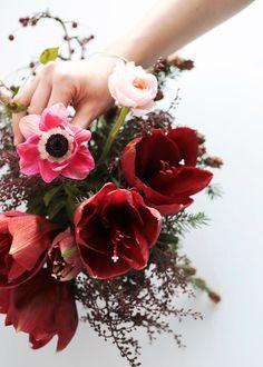 DIY Floral Arrangement with McKenzie Powell #flora #flowers pinterest.com/nasti