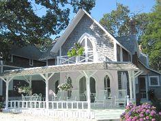 charming seaside cottage on Martha's Vineyard