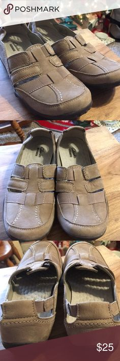 Clarks Shoes Women's Clarks Slip Ons Size 9.5.  Taupe Color. Great preowned condition. Any questions please ask. Thank You 😊 Clarks Shoes Flats & Loafers