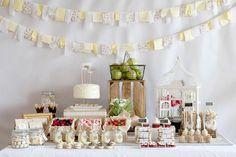 Las Sweet Table, Candy Bar o mesas dulces... todas son casi lo mismo y todas están muy de moda. Se ha vuelto un imprescindible en cualquier Boda, Bautizo o Prim