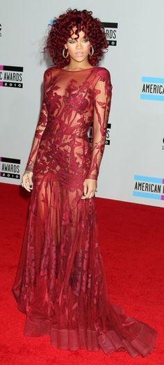 Rihanna sexy in red! Best Of Rihanna, Rihanna Style, Coco Chanel, Rihanna Red Carpet, Rihanna Hairstyles, Formal Looks, Red Carpet Looks, Celebs, Celebrities