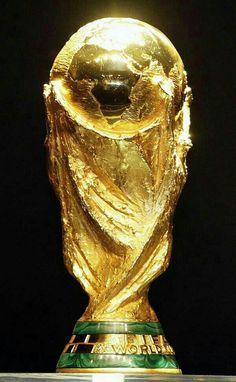 a por ella! Football Trophies, Football Memes, Football Kits, World Cup Champions, Uefa Champions League, World Cup Trophy, Nike Football Boots, Dfb Team, Trophy Design