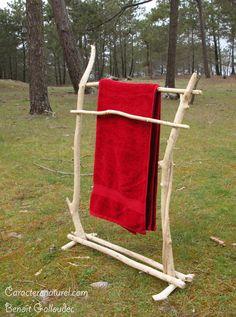 Porte serviettes en bois flotté Caractère naturel. http://www.caracterenaturel.com/port-serviettes-en-bois-flotte
