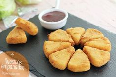 Quesitos empanados One Bite Appetizers, Tasty, Yummy Food, Fake Food, Learn To Cook, Antipasto, Cornbread, Catering, Delish