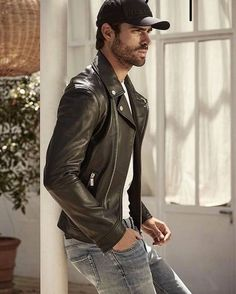 Leather Lifestyle for Men Leather Jeans Men, Biker Leather, Leather Jackets, Dark Fashion, Leather Fashion, Fashion Moda, Mens Fashion, Baseball Cap Outfit, Brooklyn Style