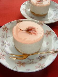 Sakura no-bake cheesecake